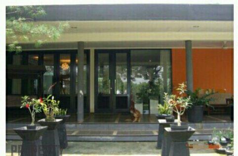 Rumah Villa di BSD Tangerang